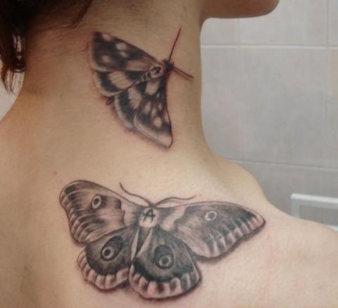 Тату для девушек бабочки на плече