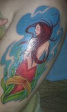 Русалка на руке цветная тату